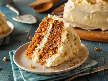 Морковена торта с бял шоколад и маскарпоне - снимка на рецептата
